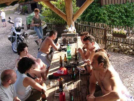 http://fordpflanzen.de/bilder/zottel/2003_FermeFranconi/06150431.jpg