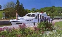 http://fordpflanzen.de/bilder/zottel/kleinzeuch/Hausboot.jpg